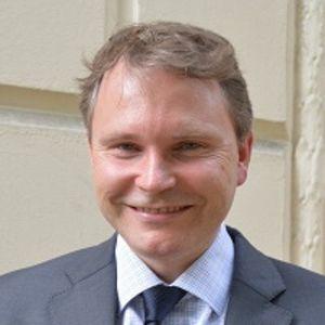 Dr Roger Barker