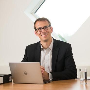 Dr Paul Mattick